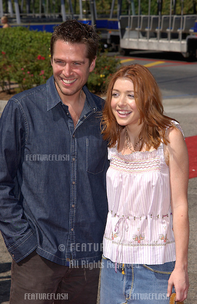 Actress ALYSON HANNIGAN & boyfriend at the 2002 Teen Choice Awards at Universal Studios, Hollywood..04AUG2002.  © Paul Smith/Featureflash