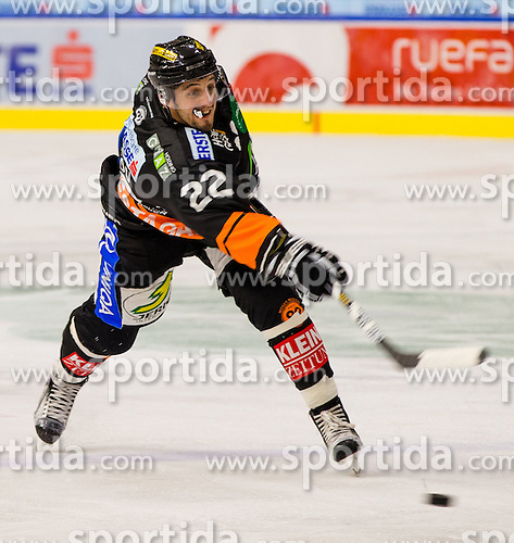 11.09.2015, Eisstadion Liebenau, Graz, AUT, EBEL, Moser Medical Graz 99ers vs HCB Suedtirol, 1. Runde, im Bild Michael Marcou (Moser Medical Graz 99ers) // during the Erste Bank Icehockey League 1st round match between Moser Medical Graz 99ers and HCB Suedtirol at the Eisstadion Liebenau in Graz, Austria on 2015/09/11. EXPA Pictures © 2015, PhotoCredit: EXPA/ Dominik Angerer