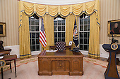 The general view of the Oval Office of the White House in Washington, DC, USA, 01 February 2017.<br /> Credit: Michael Reynolds / Pool via CNP
