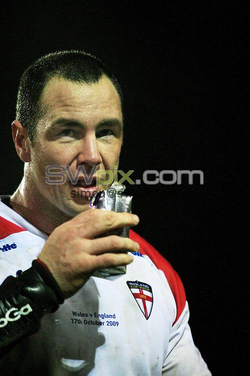 Pix: Chris Mangnall/SWpix.com, Rugby League, Gillett Fusion International 17/10/09 Wales v England....picture copyright>>Simon Wilkinson>>07811267 706>>....England's Adrian Morley