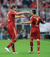 FUSSBALL   1. BUNDESLIGA  SAISON 2011/2012   7. Spieltag FC Bayern Muenchen - Bayer 04 Leverkusen          24.09.2011 Jubel nach dem Tor zum 2:0 Daniel van Buyten , Franck Ribery (v. li., FC Bayern Muenchen)
