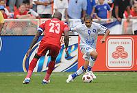El Salvador Rudi Corrales (9) goes against Panama Felipe Baloy (23)   Panama defeated El Salvador in penalty kicks 5-3 in the quaterfinals for the 2011 CONCACAF Gold Cup , at RFK Stadium, Sunday June 19, 2011.