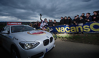 Amstel Gold Race 2012.Maastricht-Valkenburg: 256km..Brian Bulgac needs mechanical help