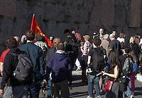 Roma  15 Ottobre 2011.Manifestazione contro la crisi e l'austerità..I manifestanti  allontanano alcuni incanpucciati dal corteo in largo Corrado Ricci