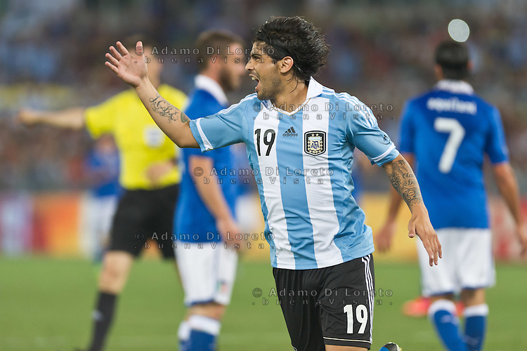 Argentina beats Italy 2-1 during the international friendly between Italy vs Argentina at Stadio Olimpico, in Rome, on August 14, 2013 in Rome. In the photo: Ever Banega Argentina. Photo: Adamo Di Loreto/BuenaVista*photo
