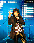 Alice Cooper 2005 at his Christmas Pudding show.