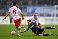 Fussball 2. Bundesliga:  Saison   2012/2013,    14. Spieltag  TSV 1860 Muenchen - 1. FC Koeln  16.11.2012 Adam Matuschyk (li, 1. FC Koeln) gegen Benjamin Lauth (Mitte, 1860 Muenchen) gegen Miso Brecko (1. FC Koeln)
