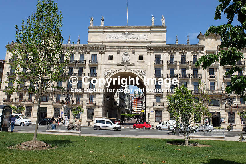 Very impressive headquarters, Banco Santander SA, Santander, Spain, May, 2015, 201505080918<br /> <br /> Attention: size only 16 x 9 cms @ 300 dpi<br /> <br /> Copyright Image from Victor Patterson, 54 Dorchester Park, Belfast, UK, BT9 6RJ<br /> <br /> t: +44 28 9066 1296<br /> m: +44 7802 353836<br /> vm +44 20 8816 7153<br /> <br /> e1: victorpatterson@me.com<br /> e2: victorpatterson@gmail.com<br /> <br /> www.victorpatterson.com<br /> <br /> IMPORTANT: Please see my Terms and Conditions of Use at www.victorpatterson.com