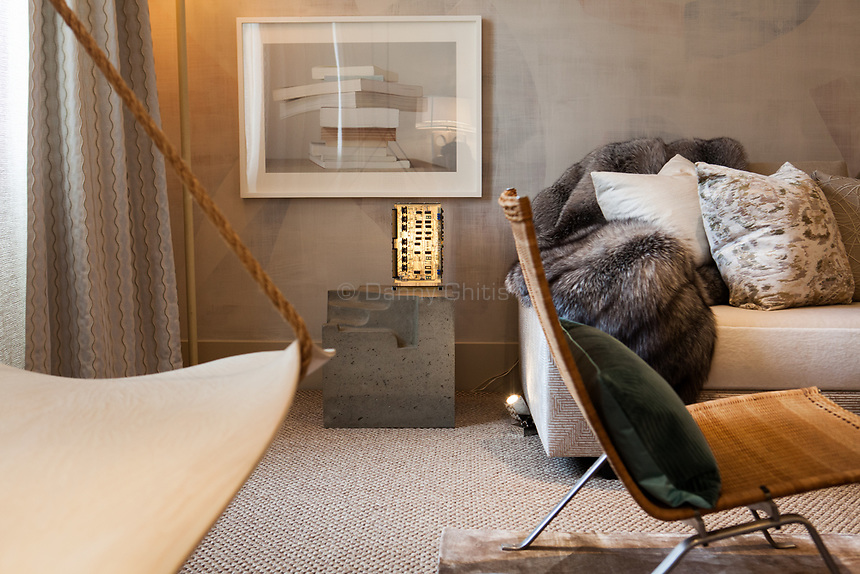 Design by Dineen Architecture + Design at the 45th Kips Bay Decorator Show House, at 125 East 65th St. <br /> <br /> Danny Ghitis for The New York Times