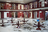 A death row cell block at Central Prison in Raleigh, NC on Thursday, November 17, 2016. (Justin Cook)