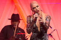 US singer Gwen Stefani performs at a state dinner for Italian Prime Minister Matteo Renzi, hosted by US President Barack Obama, on the South Lawn of the White House in Washington DC, USA, 18 October 2016. President Obama hosts his final state dinner, featuring celebrity chef Mario Batali and singer Gwen Stefani performing after dinner. <br /> Credit: Michael Reynolds / Pool via CNP / MediaPunch