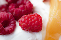 Yoghurt with raspberries and honey.
