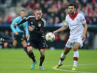 FUSSBALL   CHAMPIONS LEAGUE   SAISON 2012/2013   GRUPPENPHASE   FC Bayern Muenchen - LOSC Lille                          07.11.2012 Franck Ribery (FC Bayern Muenchen) gegen Marko Basa (LOSC Lille)