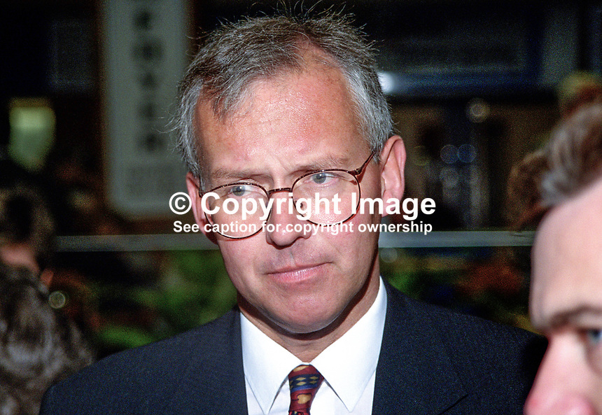 Peter Davies, Croydon South, UK, Conservative Party, activist, 199810210..Copyright Image from Victor Patterson, 54 Dorchester Park, Belfast, UK, BT9 6RJ..Tel: +44 28 9066 1296.Mob: +44 7802 353836.Voicemail +44 20 8816 7153.Skype: victorpattersonbelfast.Email: victorpatterson@me.com.Email: victorpatterson@ireland.com (back-up)..IMPORTANT: If you wish to use this image or any other of my images please go to www.victorpatterson.com and click on the Terms & Conditions. Then contact me by email or phone with the reference number(s) of the image(s) concerned.
