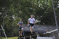 FIERLJEPPEN: BURGUM: 10-09-2016, Pollepleats Nationale Competie, laatste sprong Oane Galama, ©foto Martin de Jong