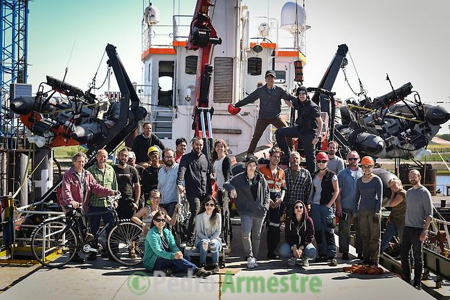 06/06/2016.<br />  Tripulaci&oacute;n de Greenpeace a bordo del Arctic Sunrise, en el puerto de Delfzijl, Holanda, antes de partir a la campa&ntilde;a &Aacute;rtica. &copy; Pedro Armestre/ Greenpeace Handout - No ventas -No Archivos - Uso editorial solamente - Uso libre solamente para 14 d&iacute;as despu&eacute;s de liberaci&oacute;n. Foto proporcionada por GREENPEACE, uso solamente para ilustrar noticias o comentarios sobre los hechos o eventos representados en esta imagen.<br /> &copy; Pedro Armestre/ Greenpeace Handout - No sales - No Archives - Editorial Use Only - Free use only for 14 days after release. Photo provided by GREENPEACE, distributed handout photo to be used only to illustrate news reporting or commentary on the facts or events depicted in this image.