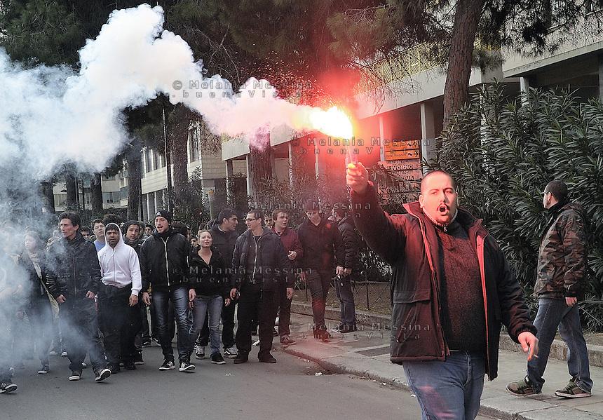 Students join the protest of the Sicilian truck drivers  blocking entrances and exits of the port in Palermo..Palermo: studenti si uniscono alla protesta degli autotrasportatori del movimento Forza d'urto.