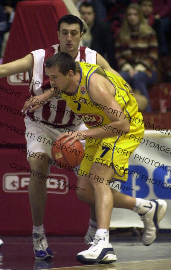 SPORT KOSARKA CRVENA ZVEZDA MAKABI Aleksandar Djuric i Nikola Vujcic 25.2.2004. foto: Pedja Milosavljevic<br />