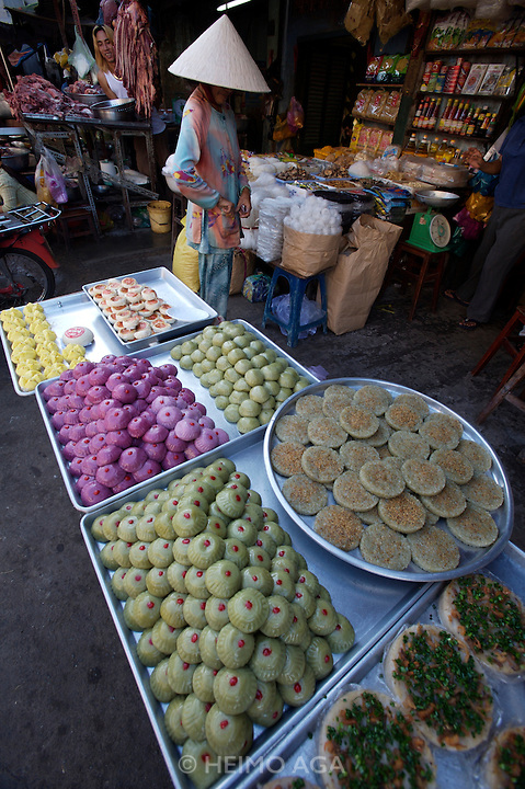 Cholon (Chinatown). Binh Tay Market. Traditional rice cakes.