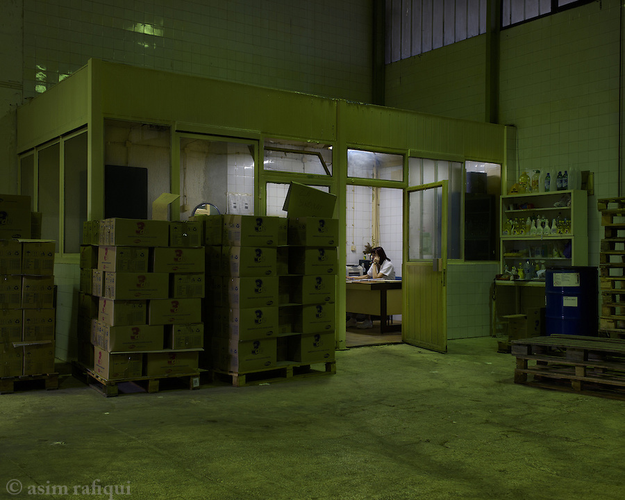 A view of the DITA factory production line. Since the worker takeover, nearly 50 DITA workers have been running the entire factory. Volunteers from the city and student groups have also lent a hand to keep this factory running.