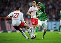 FUSSBALL   1. BUNDESLIGA   SAISON 2011/2012    14. SPIELTAG SV Werder Bremen - VfB Stuttgart       27.11.2011 Khalid BOULAHROUZ (li, Stuttgart) gegen Marko MARIN (re, Bremen)