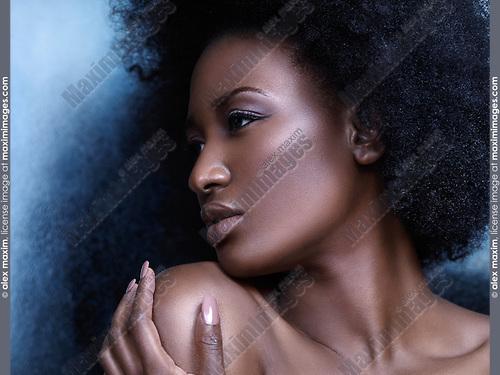 Beauty portrait of beautiful black woman face | Fashion ...