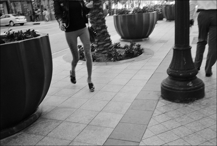 """From """"Walking downtown"""" series. Downtown Miami, 2009"""