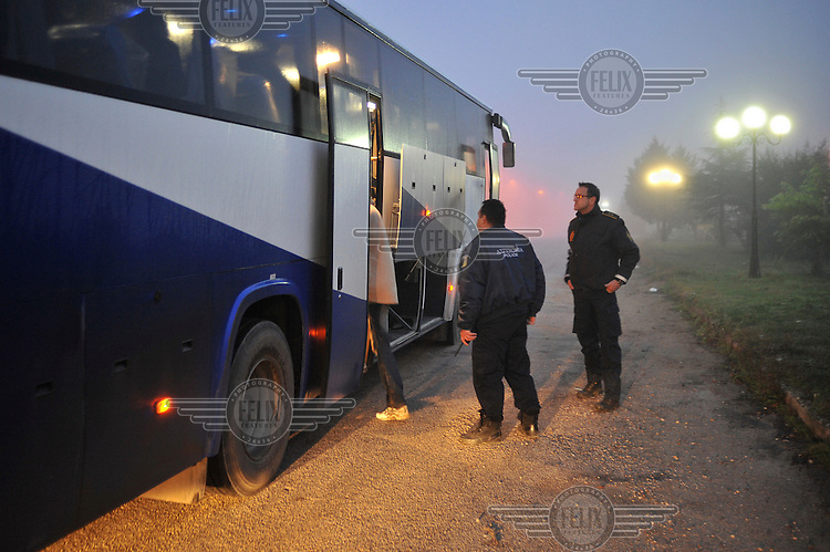 After crossing the Turkish-Greek border, immigrants are arrested by officers of the EU borderpolice, Frontex. According to UNHCR, 38,992 immigrants arrived in Greece in the first 10 months of 2010, whereas in 2009 the number was only 7,574. According to Frontex, around 245 people tried to cross the border illegally every night during October.