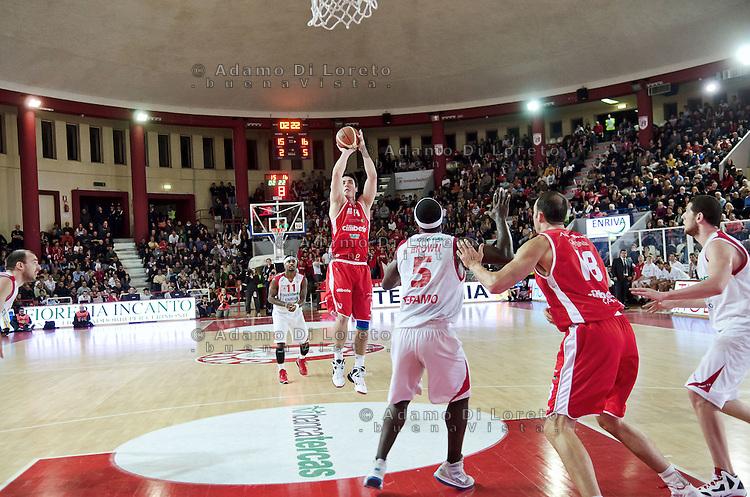Teramo 15-01-2012 Campionato di Lega A1 Basket 2011/2012: TERAMO BASKET VS CIMBERIO VARESE. IN FOTO KANGUR VARESE