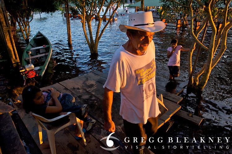Scene from the dock - Puerto Narino - Amazonas - Colombia