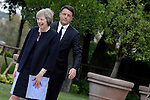 Matteo Renzi riceve a Roma Theresa May