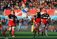 Tom Homer of Bath Rugby wins the ball in the air. Aviva Premiership match, between Saracens and Bath Rugby on January 30, 2016 at Allianz Park in London, England. Photo by: Patrick Khachfe / Onside Images