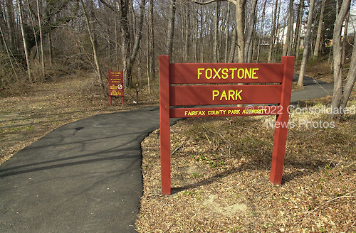 """Vienna, VA - February 20, 2001 -- """"ELLIS"""" drop site on the """"Foxstone Park"""" sign in Vienna, Virginia..Credit: Consolidated News Photos"""