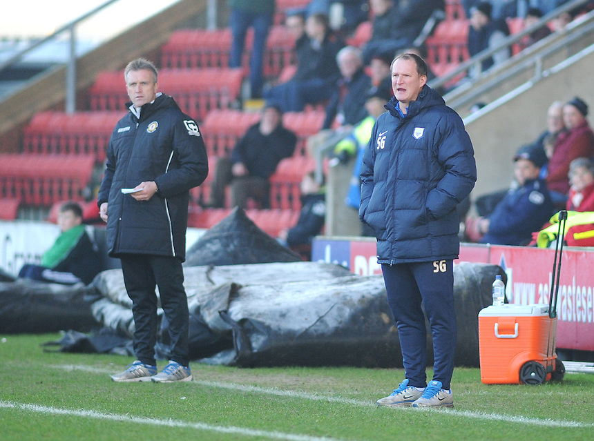 Preston North End manager Simon Grayson shouts instructions to his team<br /> <br /> Photographer Kevin Barnes/CameraSport<br /> <br /> Football - The Football League Sky Bet League One - Crewe Alexandra v Preston North End - Sunday 28th December 2014 - Alexandra Stadium - Crewe<br /> <br /> &copy; CameraSport - 43 Linden Ave. Countesthorpe. Leicester. England. LE8 5PG - Tel: +44 (0) 116 277 4147 - admin@camerasport.com - www.camerasport.com