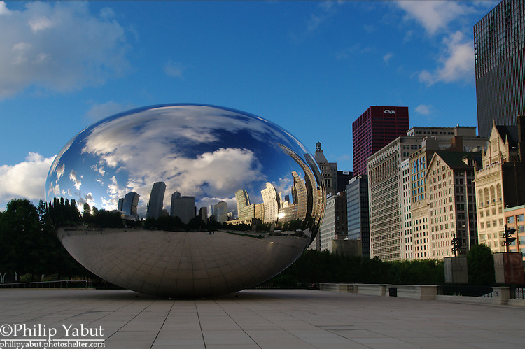 On a nice day, Chicago's Millennium Park is normally loaded with people, but if you go early in the morning you'll probably have the place all to yourself.<br /> <br /> Cloud Gate -- Anish Kapoor