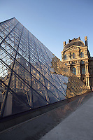 Glass pyramid by I. M. Pel, rising from the centre of the Cour Napoléon, Pavillon Richelieu & Colbert (1857) in the background, Louvre Museum, Paris, France. Inaugurated March 30, 1989. Picture by Manuel Cohen