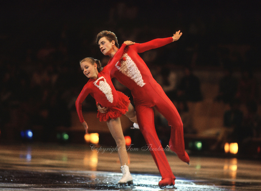 Sergei Grinkov and Ekaterina Gordeeva of Soviet Union perform in pairs competition during friendly summer gala exhibition at 1986 Goodwill Games in July, 1986 at Moscow. (Photo by Tom Theobald)