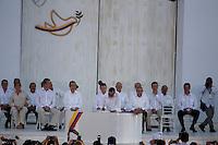 CARTAGENA- COLOMBIA -26-09-2016: Rodrigo Londoño, Comandante de las Fuerzas Armadas Revolucionarias de Colombia Ejercito del Pueblo, durante la firma del acuerdo de Paz entre el gobierno de Colombia y la guerrilla de izquierda de las Fuerzas Armadas Revolucionarias de Colombia Ejercito del Pueblo (FARC EP) / Rodrigo Londoño, Commander of the Revolutionary Armed Forces of Colombia People's Army, during the signing of the peace agreement between the government of Colombia and leftist guerrillas of the Revolutionary Armed Forces of Colombia People's Army (FARC EP) Photo: VizzorImage / Ivan Valencia / Cont.