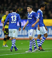 FUSSBALL   1. BUNDESLIGA   SAISON 2011/2012    14. SPIELTAG Borussia Dortmund - FC Schalke 04      26.11.2011 Jermaine JONES, Kyriakos PAPADOPOULOS und Jermaine JONES (v.l., alle Schalke) enttaeuscht