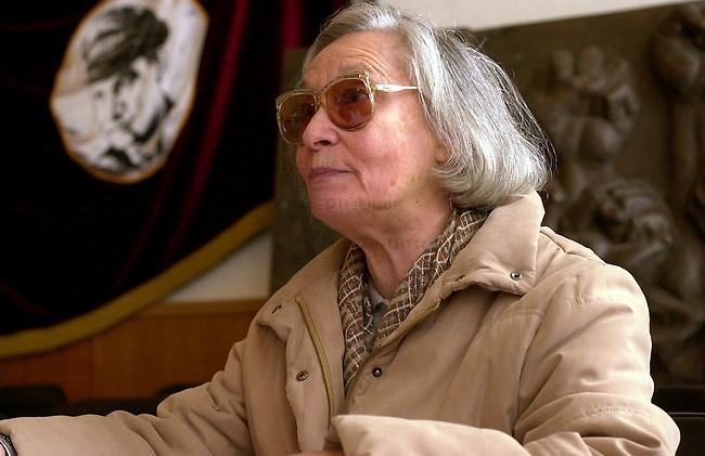 Ernst Thaelmann-Gedenkstaette in der Ortschaft Ziegenhals bei Berlin.<br /> Anlaesslich des 70. Jahrestages der letzten Sitzung des ZK der KPD am 7. Februar 1933 versammelten sich mehrere hundert Menschen in der Ernst Thaelmann-Gedenkstaette in der Ortschaft Ziegenhals bei Berlin.<br /> Hier: Marta von Schnitzler-Rafael, Witwe des verstorbenen DDR-Fernsehmoderators Karl-Eduard von Schnitzler.<br /> 9.2.2003, Ziegenhals/Brandenburg<br /> Copyright: Christian-Ditsch.de<br /> [Inhaltsveraendernde Manipulation des Fotos nur nach ausdruecklicher Genehmigung des Fotografen. Vereinbarungen ueber Abtretung von Persoenlichkeitsrechten/Model Release der abgebildeten Person/Personen liegen nicht vor. NO MODEL RELEASE! Nur fuer Redaktionelle Zwecke. Don't publish without copyright Christian-Ditsch.de, Veroeffentlichung nur mit Fotografennennung, sowie gegen Honorar, MwSt. und Beleg. Konto: I N G - D i B a, IBAN DE58500105175400192269, BIC INGDDEFFXXX, Kontakt: post@christian-ditsch.de<br /> Bei der Bearbeitung der Dateiinformationen darf die Urheberkennzeichnung in den EXIF- und  IPTC-Daten nicht entfernt werden, diese sind in digitalen Medien nach &sect;95c UrhG rechtlich geschuetzt. Der Urhebervermerk wird gemaess &sect;13 UrhG verlangt.]
