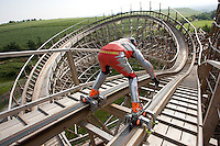 Dirk Auer with skates on a rollercoaster, Achterbahn