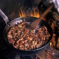 Europe/France/Aquitaine/33/Gironde/Bordeaux: Cuisson des tricandilles  au capucin au restaurant: La Tupina
