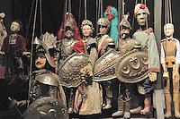 Some of the puppets built by Mimmo Cuticchio in his workshop.I pupi creati da Cuticchio all'interno del suo laboratorio