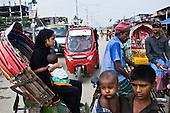 Dhaka 13-16 May 2013 Bangladesh<br /> <br /> (Photo by Filip Cwik / Napo Images)<br /> <br /> Dhaka 13-16 maj 2013 Bangladesz<br /> Dzielnica biedy Mirpur 14 z kt&oacute;rej najczesciej pochodza pracownicy fabryk odziezowych <br /> (fot. Filip Cwik / Napo Images)