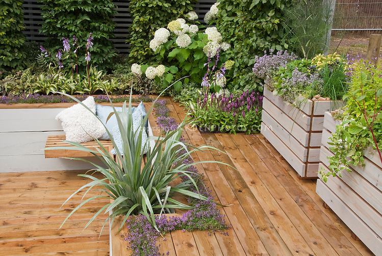 Patios, Decks, & Garden Rooms - Images | Plant & Flower Stock