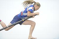 FIERLJEPPEN/POLSSTOKVERSPRINGEN: 03-09-2016, Linschoten, Pollepleats Nationale Competitie, Sigrid Bokma, ©foto Martin de Jong