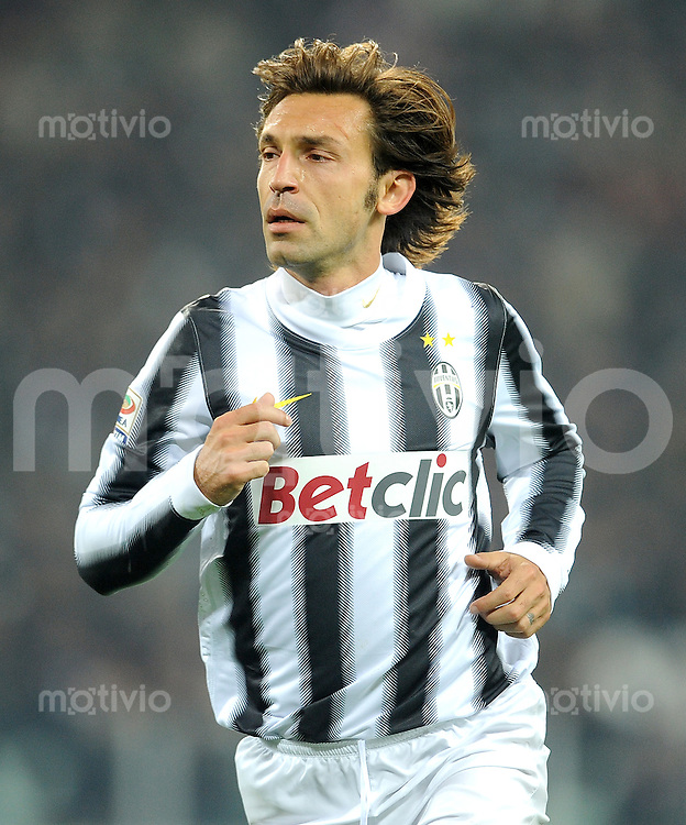 FUSSBALL INTERNATIONAL   SERIE A   SAISON 2011/2012    Juventus Turin - Genua  22.10.2011 Andrea Pirlo (Juventus Turin)