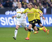 Fussball 1. Bundesliga :  Saison   2010/2011   32. Spieltag  21.04.2012 Borussia Dortmund - Borussia Moenchengladbach Marco Reus (li, Borussia Moenchengladbach) gegen Marcel Schmelzer (Borussia Dortmund)