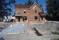1998 September 22....Scattered Sites Transitional..Wellington Oaks area...NEG#.NRHA#..