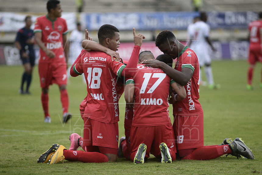 TUNJA -COLOMBIA, 09-04-2016. Jugadores de Patriotas FC celebran un gol anotado a Deportivo Pasto durante partido por la fecha 12 de la Liga Águila I 2016 realizado en el estadio La Independencia de Tunja./ Players of Patriotas FC celebrate a goal against Deportivo Pasto during match for the date 12 of Aguila League I 2016 played at La Independencia stadium in Tunja. Photo: VizzorImage/César Melgarejo/Cont
